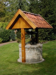 Gartenbrunnen mit Dach Wadersloh