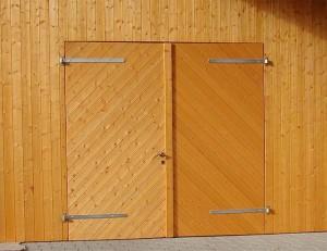Holzverschalung und Holztüren Wadersloh